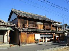こちらも善通寺さんの近くにある古いお菓子屋さんで、かたパンが有名なお店のようです。