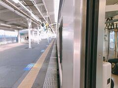 土浦駅での停車時間がかなり長い。 車内がどんどん冷えていく
