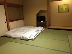 粟津温泉 あわづグランドホテルに到着しました。本ズワイガニ食べ放題プランを選択しました。お部屋は広く、景色もよかった!!