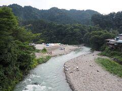 最後に川辺に降りられる場所があったので、川の近くで遊びました。 結構川の流れは激しかったです。
