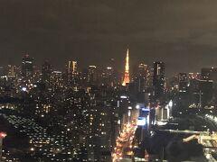 タクシーでサクッと帰って東京タワーを写真に撮ったら、ゆっくりお風呂に入っておやすみなさい。