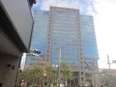 再び駅の近くに ここ ニッセイアロマスクエアの場所は戦前は松竹の撮影所があった場所です