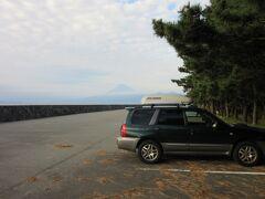 「碧の丘」から「御浜岬公園」にやって来ました 「碧の丘」から「御浜岬公園」は県道で6km程の道のり  西伊豆の戸田にある御浜崎公園、若い頃ドライブで訪問したり、子供が小さな頃に家族で海水浴に来たり・・・昔から戸田は大好きな場所です