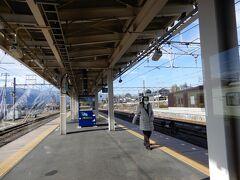 中央本線・小淵沢駅ホーム