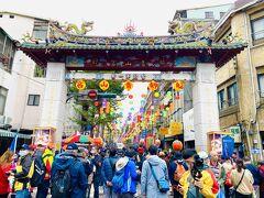 12月4日、台北市万華区艋舺にある青山宮を中心として、青山王祭が行われた。