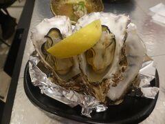 広島駅に戻ってきて、ディナー 駅ビルのekie広島に入っている、サカナカナッテに入る。 残念ながら、生牡蠣は、売り切れと言われてしまった。