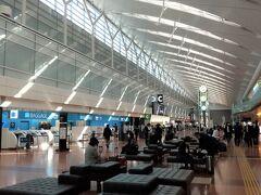 羽田空港第2ビル ガラガラです。
