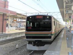 湘南新宿ラインの列車は新宿駅を経由して大船駅から、上野東京ラインの列車は上野駅を経由して東京駅から東海道線へ直通します。