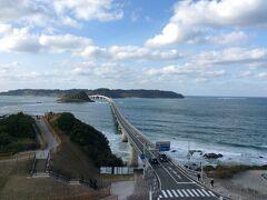 角島大橋2『HERO』や車のTVCMなどで撮影に使われたロケーションとしても有名だそうで。