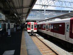伊勢中川から北上すること約1時間、桑名駅で下車します。