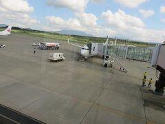 青森空港までは1時間ちょっとで到着。 青森はさわやかな晴れでした。