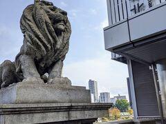 京阪電車 北浜駅。