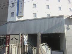 京急の青物横丁駅はその歩道橋に直結 東横インも駅に直結しています