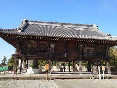 額堂  重要文化財で、1986年に修復されました。 …むしろ重要文化財だらけですね(笑)  ご奉納された額や絵馬などをかける建物で、江戸時代に奉納された貴重な絵馬や、様々なモチーフの彫刻はがります!