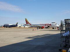 今回は、いつものセントレアではなく、小牧市にある名古屋空港です 久しぶりのFDAに乗ります  今回は赤色の飛行機、お世話になります。