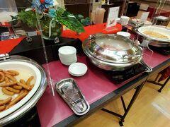 朝ご飯は月岡ホテルの朝食バイキングです。  一通りのものがありました