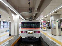 ★10:29 そして浅草駅からは、1月にも乗車した350系唯一の定期運用特急「きりふり」に乗車。