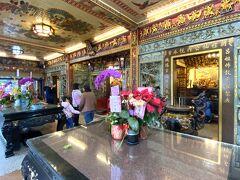 1947年創建の天母三玉宮。前を通ったことは何度もあるけれど、内部に入ったのは初めて。