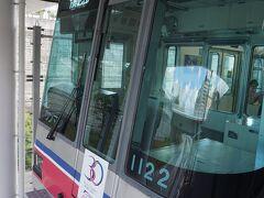 ●大阪モノレール 彩都西駅  彩都西駅界隈の散策も終えて、再びモノレールに乗車します。