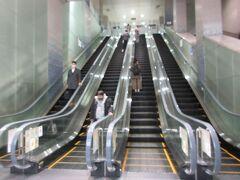 久しぶりの羽田空港。ほとんど人はいない。
