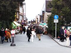 続いて、「おはらい町通り」 さすが、内宮の参道は人が多いです。