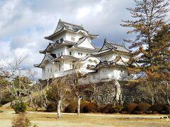 伊賀上野城☆ 復元された城なので、観光城です。