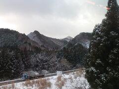 山深く雪深く