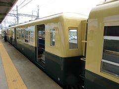 ここまで昭和30年代生まれの貴重な電車の乗り心地を満喫していましたが、運用上の都合で、途中の東員駅で車輌交換になるとのこと。