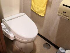 トイレとお風呂は別々 このトイレ 温水シャワーが出なかったのが難点だ
