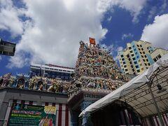 スリ・ヴィーラ・マカリアマン寺院に到着。(現地時間 13:00頃)  時間が合わず、外観のみ見学。