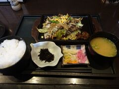 水戸駅のお店で夕食。茨城の郷土料理は見当たらず、北海道料理になってしまいました。