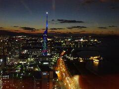 ラウンジからの福岡タワー