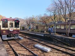 次は列車レストランが有名な神戸へ。ここでお弁当ゲット。車内でも販売や予約の受け取りができます。