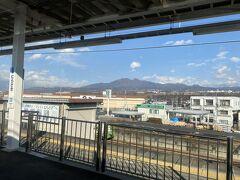 韮崎駅からは芽ヶ岳が見えました。