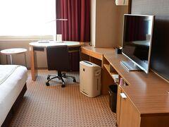 前回と同じホテルメトロポリタン長野、「すっかり気に入ったので又来ました」 フロントのお姉さんはとても喜んで地域クーポン4千円分くれました。違うな。
