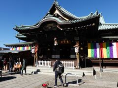 本門寺を後にして大坊本行寺に降りてきます。ここは日蓮聖人が入滅した場所です。