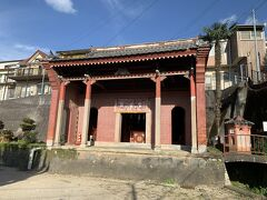 観世音菩薩が祀られているお堂。中まで入れます。