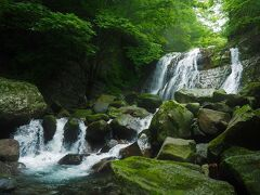 咆哮霹靂の滝に戻ってきました、こっからは桜沢遡上します