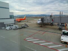 定刻10:30に福岡空港に到着。