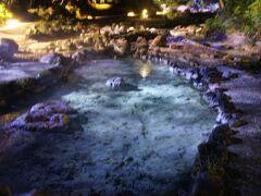 西の河原公園 ほんとうにあちこち温泉が湧いてて、ライトアップ