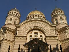 リガにはロシア帝国支配下の時代もあったので立派なロシア正教会も立っています。