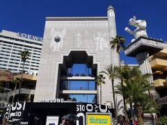 そして有名なドルビーシアターを併設する、ハリウッド・ハイランドにあるバビロンの門。このハリウッド・ハイランドには他にもショッピングセンターなども併設されており、多くの人で賑わっていました。