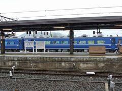 電車は下今市に到着。ここで乗り換えます。下今市にはJR四国から購入した14系客車が停まっていました。「SL大樹」が引っ張る客車に使用されていますが、当日は運休中でした。7/4からSLの運転が再開されたとのことです。