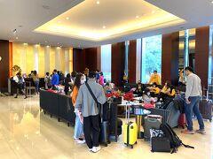 完全に一向から離れ、ホテルにチェックインすることにした。この日宿泊したのは「蓮潭國際會館」。