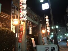 夜の櫛田神社に来ました。