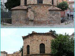 """【アリアーニ洗礼堂】""""Battistero degli Ariani""""  再びラヴェンナ市内に戻り、最後の訪問場所である 『アリアーニ洗礼堂」にやってきました。  5世紀末から6世紀初頭にかけて東ゴート王国の テオドリック王により建設された""""アリウス派""""の洗礼堂です。  煉瓦造りの八角形で、四方にアプスが張り出しています。  ※入場料は2ユーロ"""