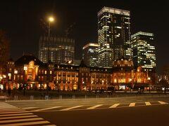 東京駅ライトアップ。