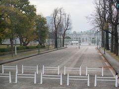 都内の道路は空いていて、スムーズに都内巡りが終わり予定より早く迎賓館赤坂離宮に到着。