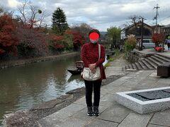八幡堀です、何カ所からか観光用の小舟が出ている様ですが時間が無いので乗ってはいません