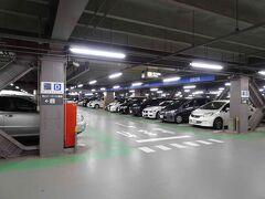 今回は、7:25発で早いので、いつものように車で羽田空港へ向かいます。このときも、駐車場はP3に余裕で停めることができました。